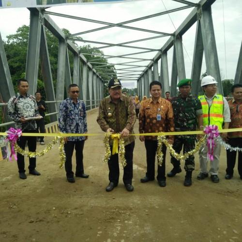 Bupati Paser Resmikan Jembatan Muara Biu