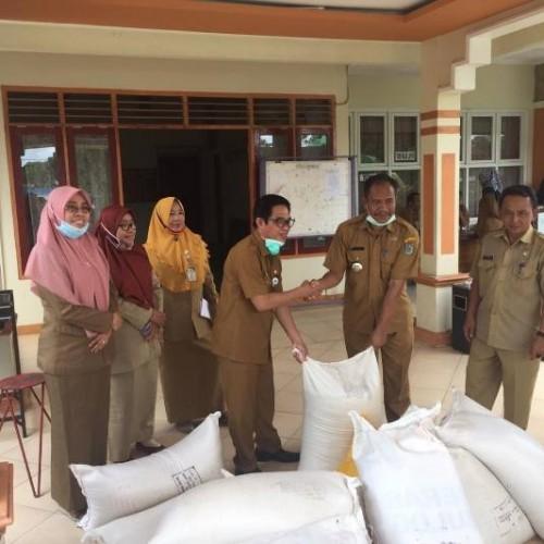 5 Ton Beras Disalurkan Pemkab ke Warga Batu Kajang Korban Banjir