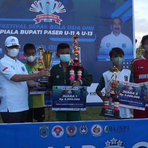 Sukses Digelar, Bintang Timur Bawa Piala Bergilir Bupati Paser